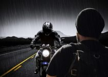 How to keep rain off motorcycle helmet visor