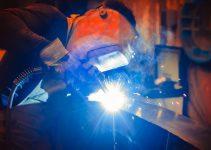 How to clean welding helmet lens